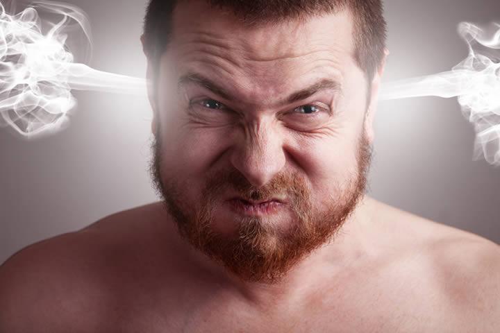 Una de las principales afecciones ocurre en el cerebro al disminuir los niveles de serotonina, provocando ansiedad, estrés y enfado. Foto:Internet