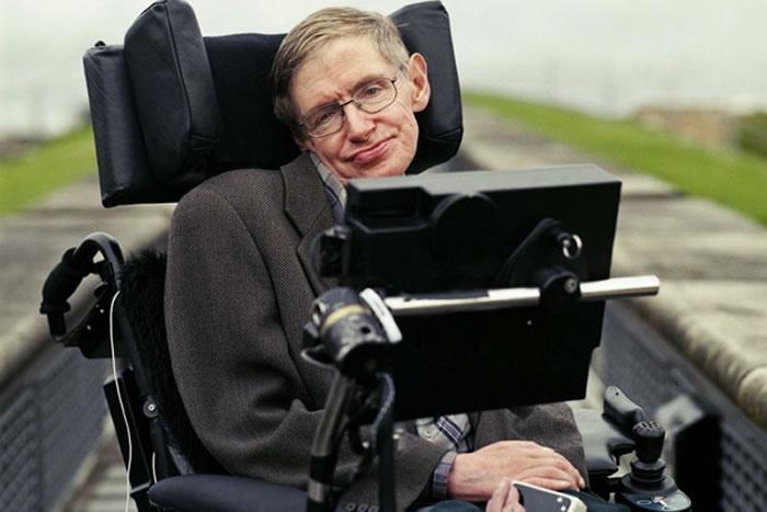 El famoso astrofísico Stephen Hawking se ha convertido en la privilegiada inteligencia que nos alerta sobre el fin del mundo