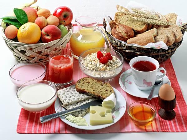 ¿Saltarse el desayuno nos hará subir de peso?