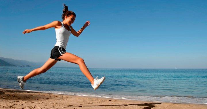 La irisina está presente en la circulación de la sangre y  sus niveles aumentan durante el ejercicio.