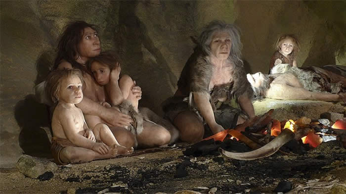 Junto con otros artefactos en la cueva, el agujero sugiere que los neandertals utilizaban diferentes partes de la cueva para diferentes actividades como la matanza de la carne, la fabricación de herramientas y tirar basura. Ilustración: Nikola Solic.