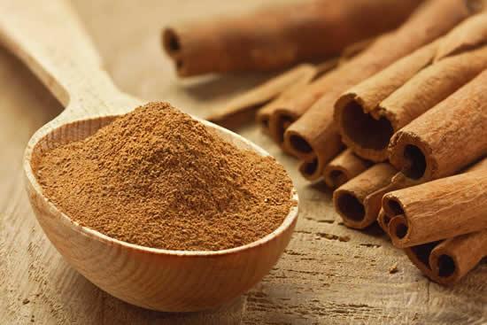 La canela es uno de los aderezos más importantes del mundo para condimentar alimentos y bebidas