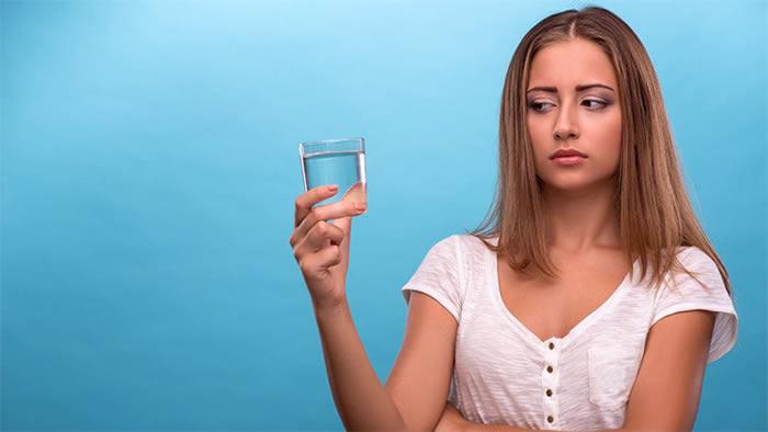 Ahora hay una manera de detectar y eliminar olores en el agua. Créditos:osmorocare.com