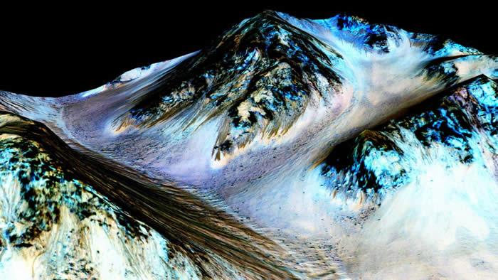 La NASA confirma que hay agua en la superficie de Marte