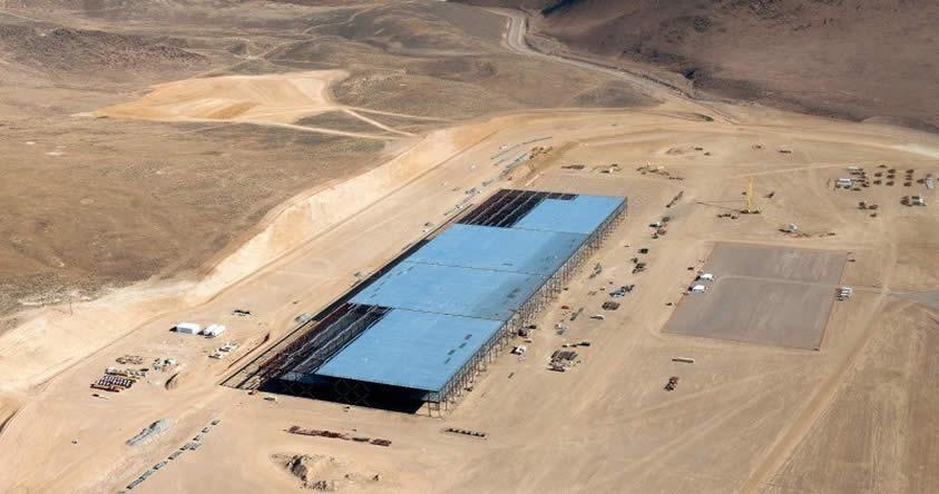 """Mira """"desde el aire"""" la nueva fábrica de Tesla que revolucionará la energía en el mundo"""