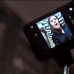 El Dildo selfiestick que te permite capturar tu foto en el momento del orgasmo