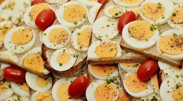 Coma proteínas completas