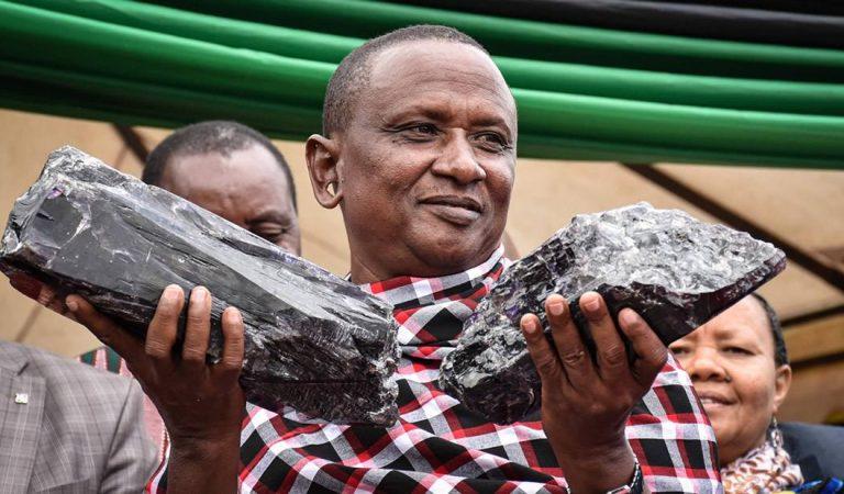 Minero artesanal se vuelve millonario al hallar dos enormes rocas de tanzanita